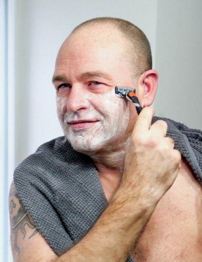 Brug altid preshave, når du barberer dig