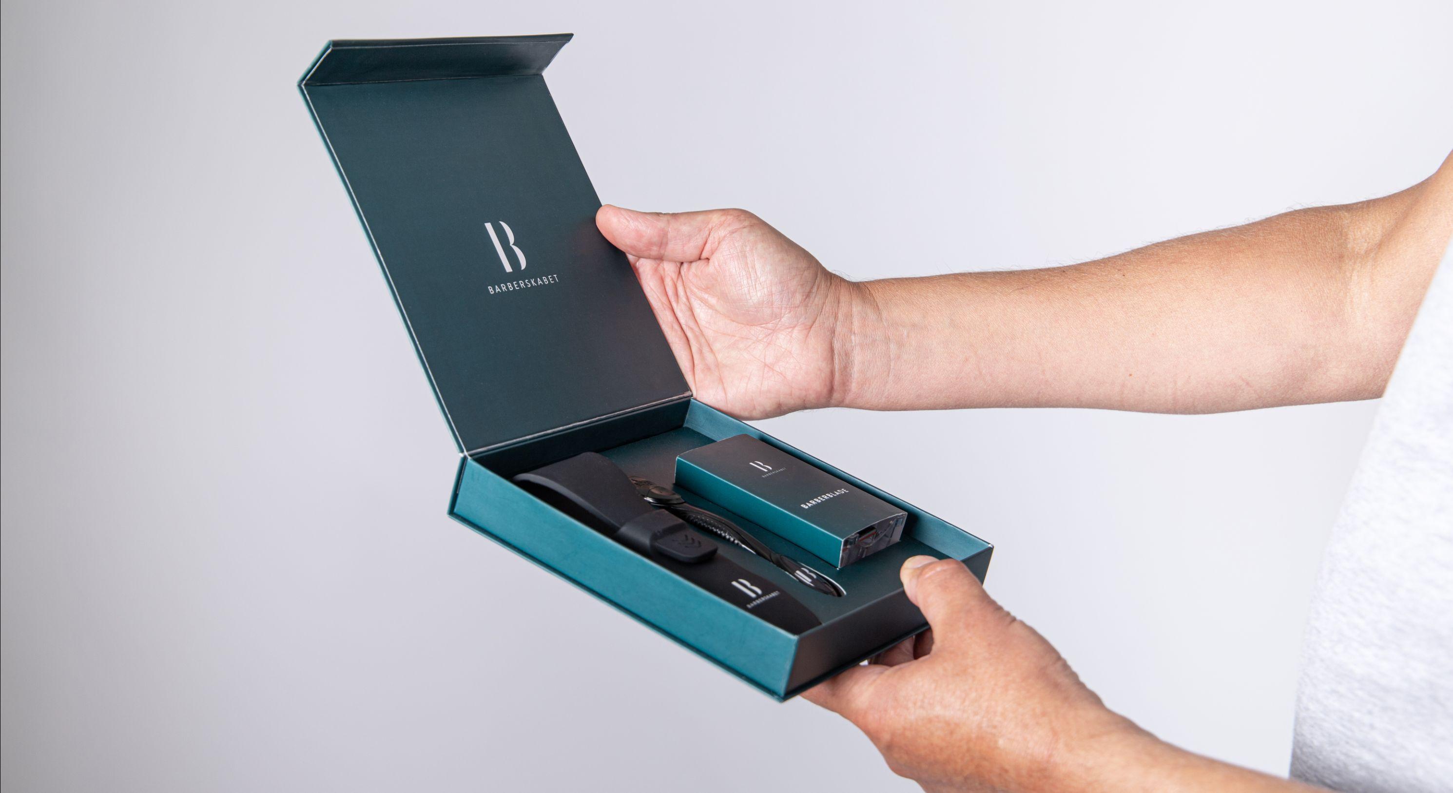 Prøvepakke med barberblade med rejseetui og håndtag/skraber