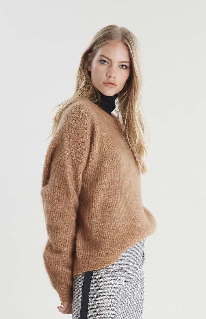 Gestuz tan knit