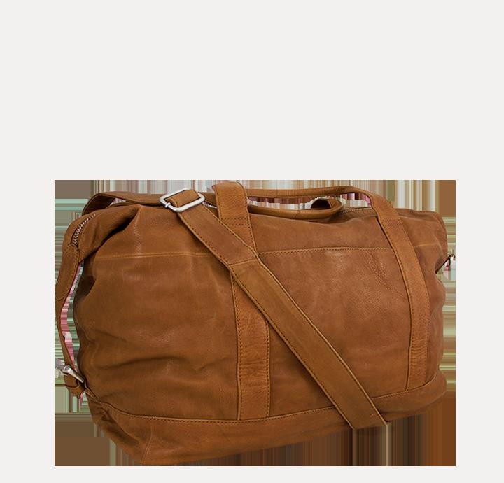 Enkel og stilren lille rejsetaske i læder flot og funktionel weekendtaske til mænd og kvinder taske til håndbagage sporttaske i læder stilrent dansk design