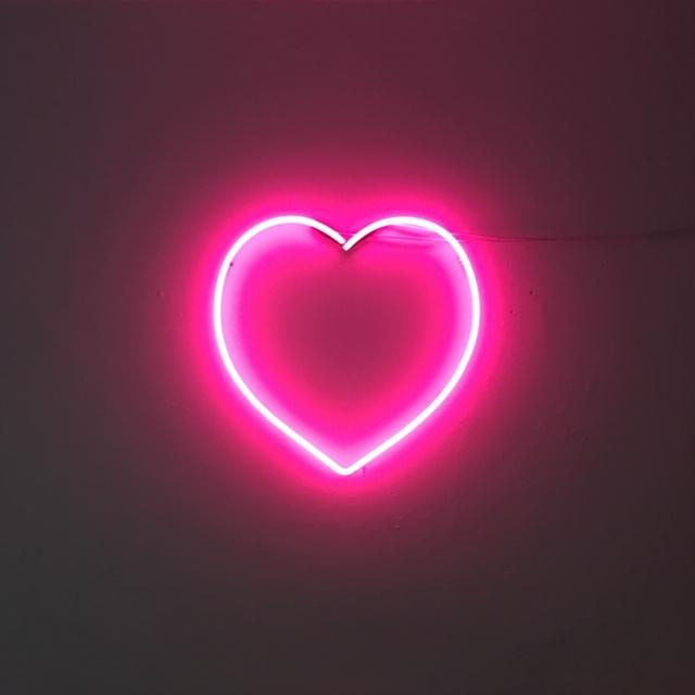 neon heart - bon tot