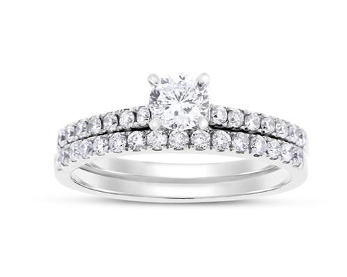 Natural Round Diamond Engagement Ring
