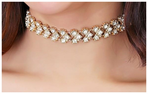 Great Collar Necklaces for a Rectangular Face