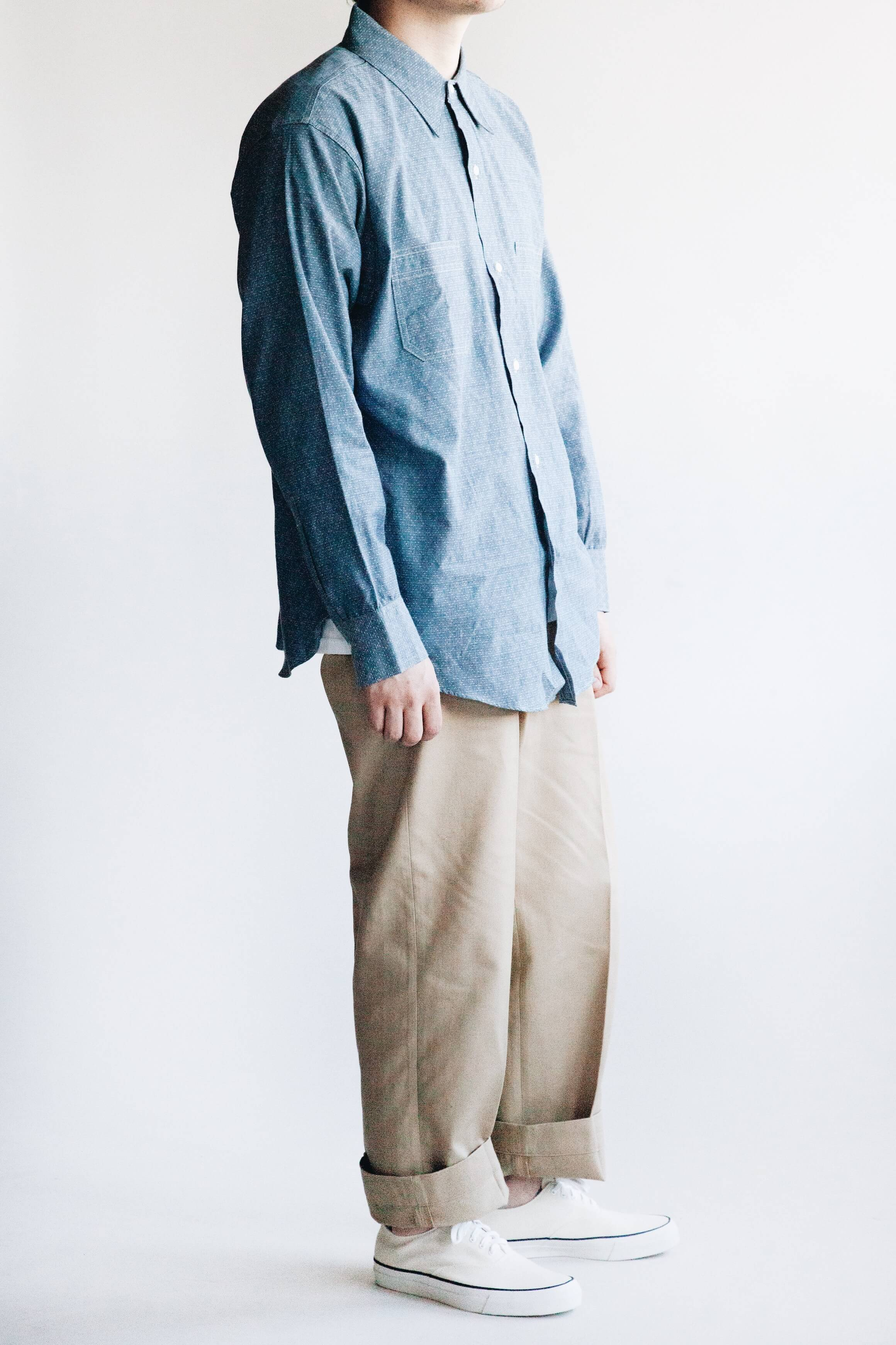 big yank 41 a shirts dd chambray shirt, big yank 1963 chino pants and wakouwa deck shoes on body