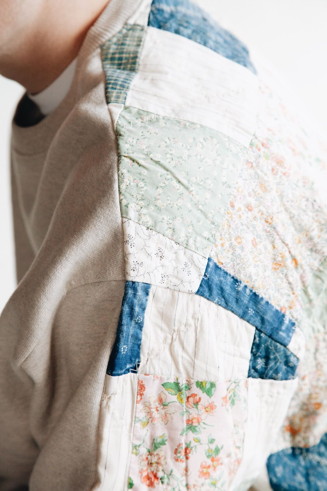 kapital kountry fleecy knit x american quilt country 2 tones big sweatshirt on body