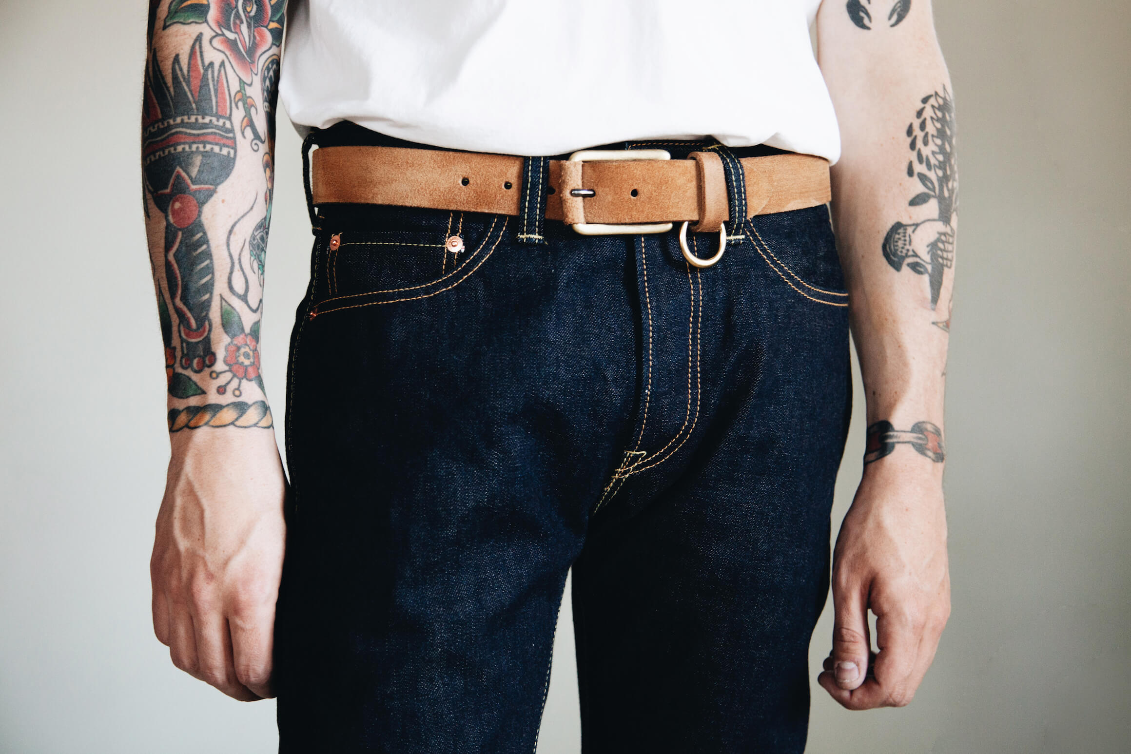Iron Heart 555 16oz. Classic Denim jeans with yuketen belt on body