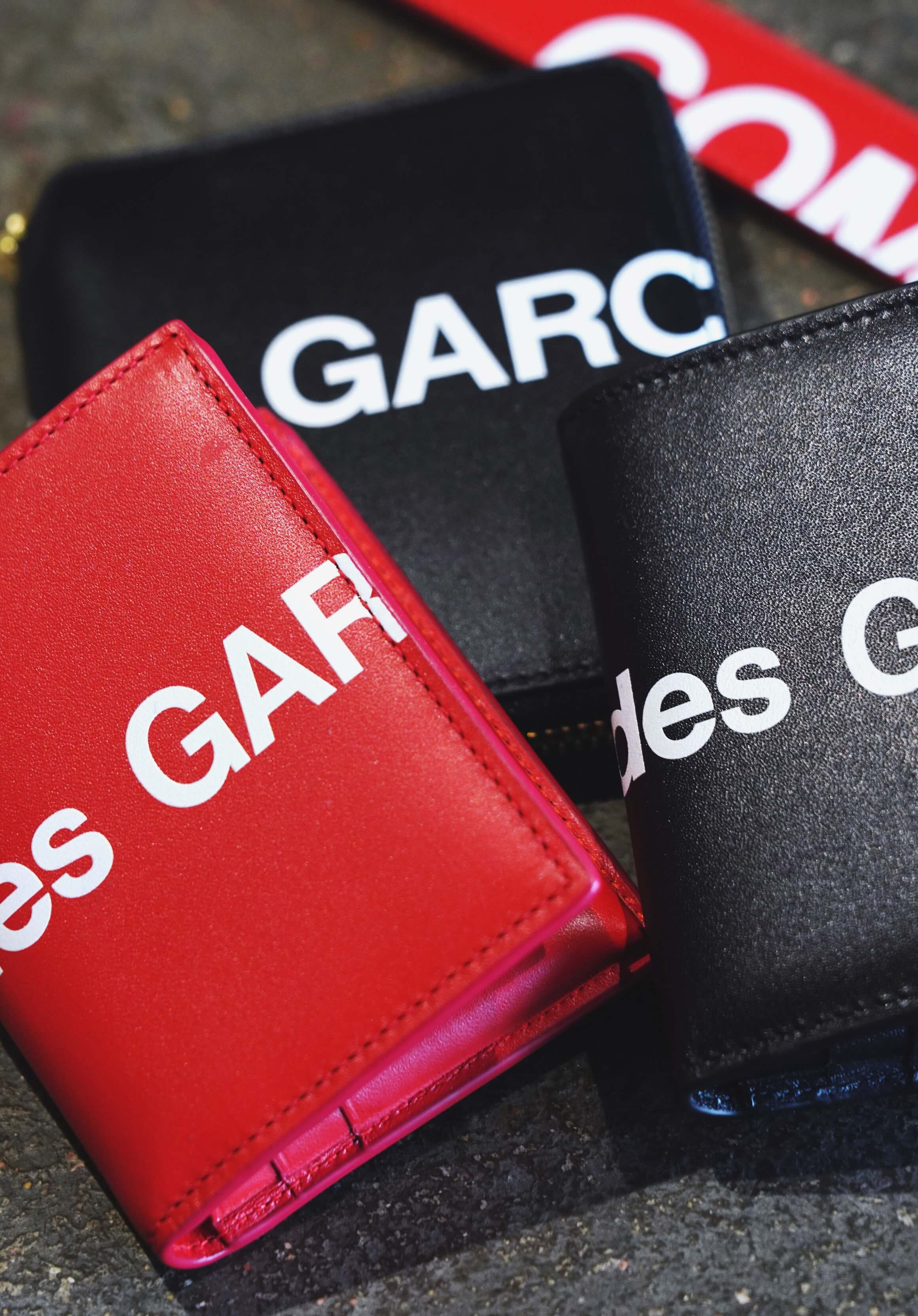 comme des garcons wallet huge logo wallet