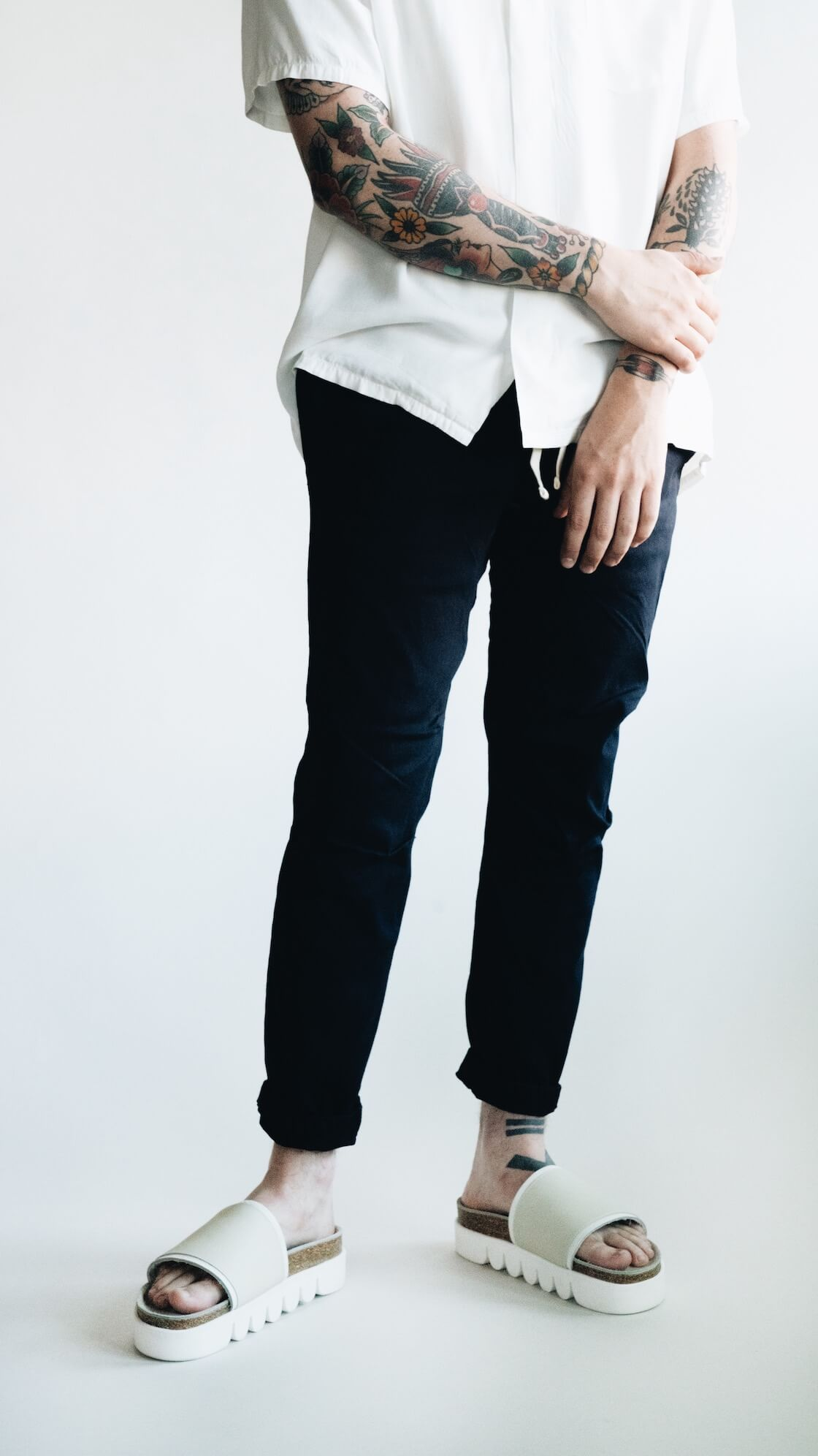 free edge shirt from visvim, gym pants from beams plus and hender scheme caterpillar sandals on body