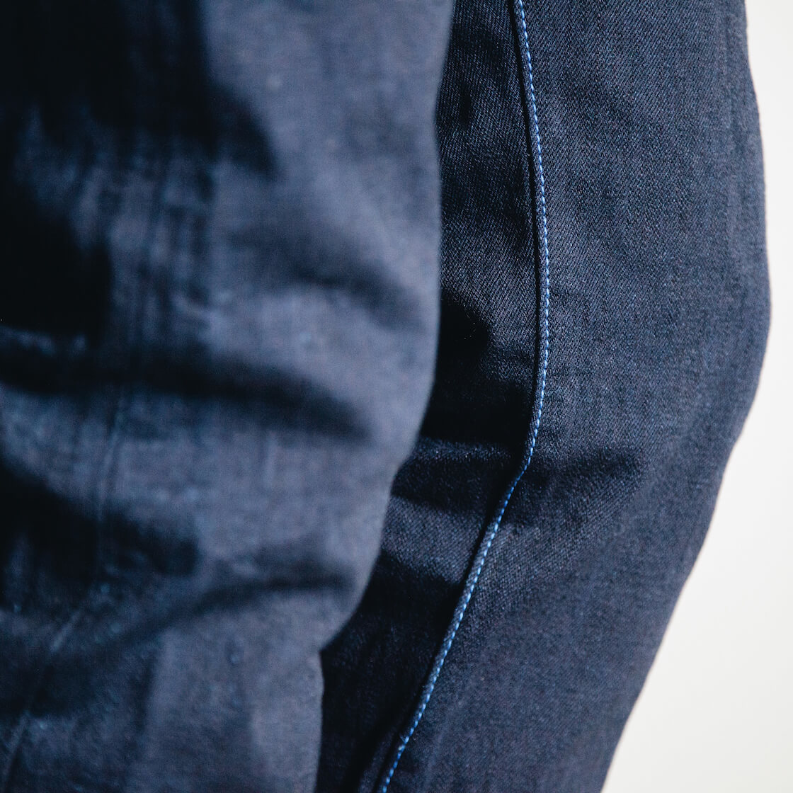 Tanuki IDHT Double Indigo 15oz jeans fabric detail on body