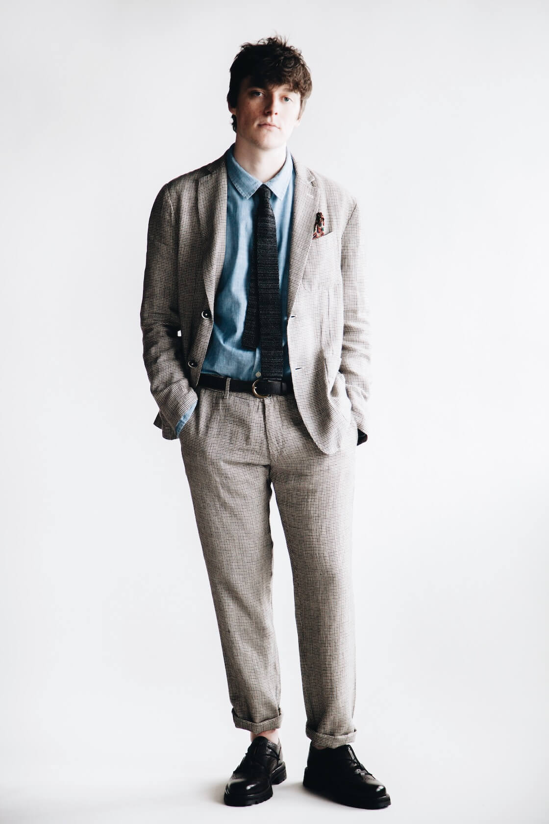 barena borgo jacket, canoe club x corridor blue chambray shirt, barena rionero trousers, beams plus knit tie and hender scheme code tip shoes on body