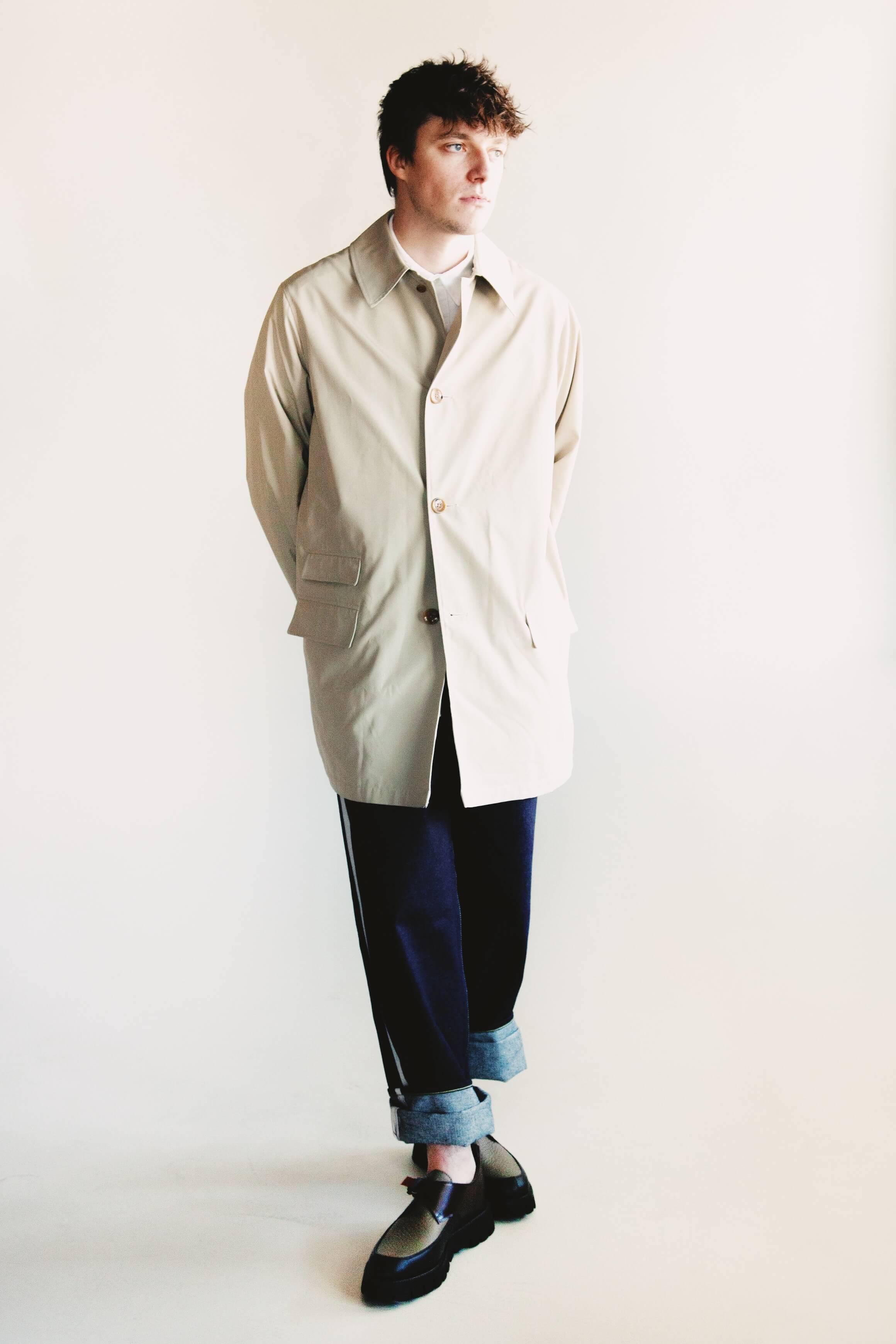 beams plus travel coat, engineered garments short collar shirt, visvim ict ss hakama pants and hender scheme fidmonk shoes on body