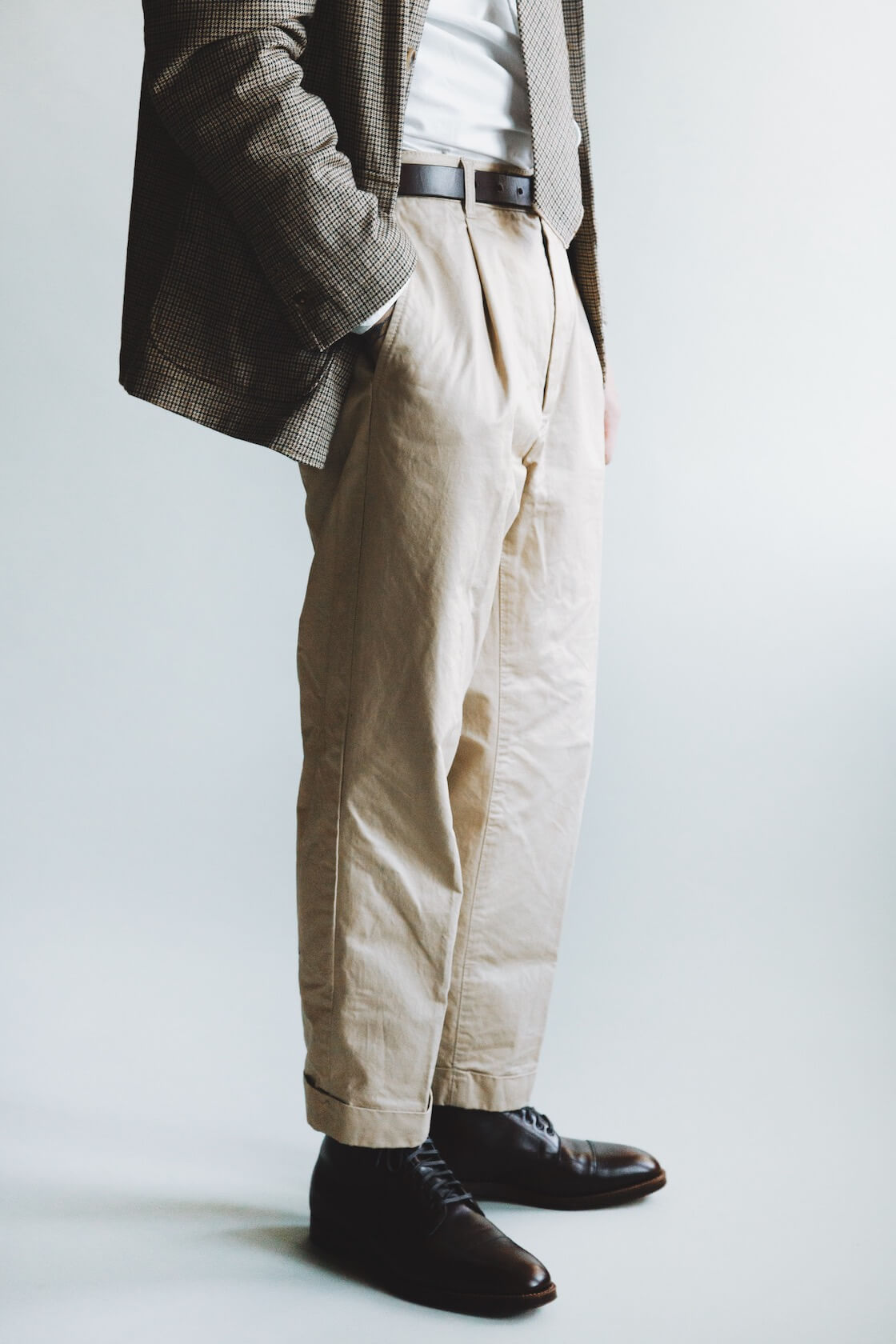 engineered garments loiter jacket and neck tie, corridor nyc canoe club oxford shirt, beams plus single pleat twill pants and alden bluchers on body