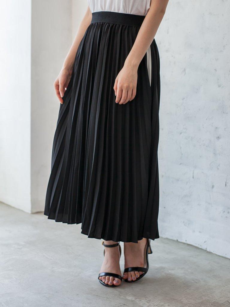 スポーティープリーツスカート