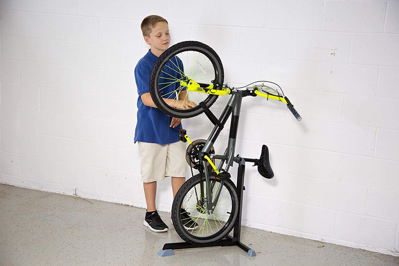 Fixation Pour Velo Garage 15 options étonnantes pour ranger les vélos à l'intérieur et