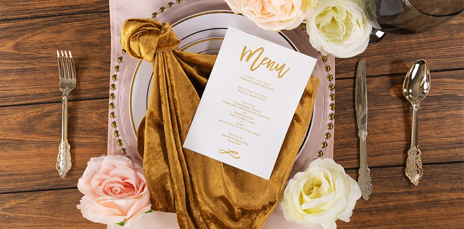 5 Trendy Wedding Napkin Folds