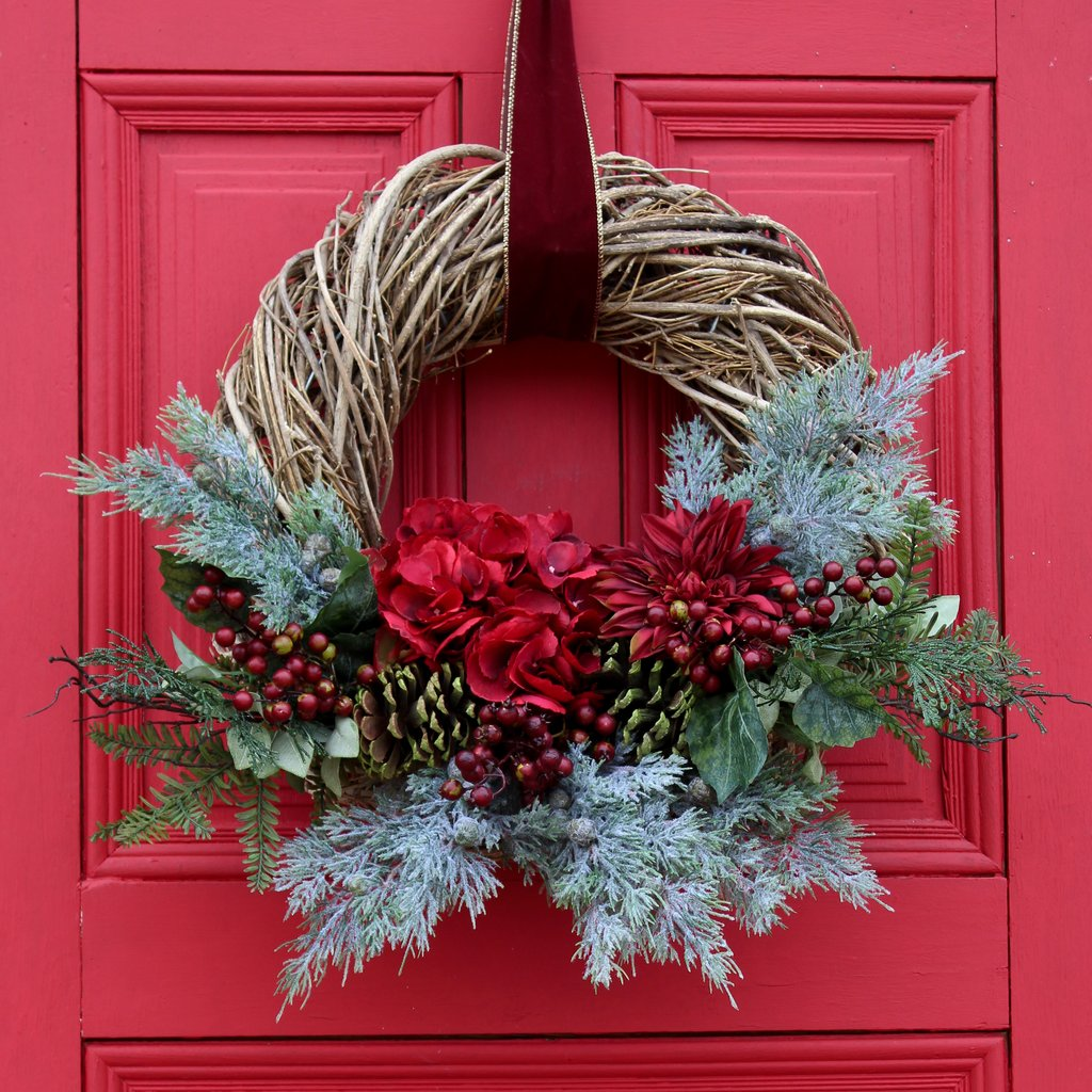 Red Christmas Hydrangea & Dahlia Woven Willow Holiday Front Door Wreath