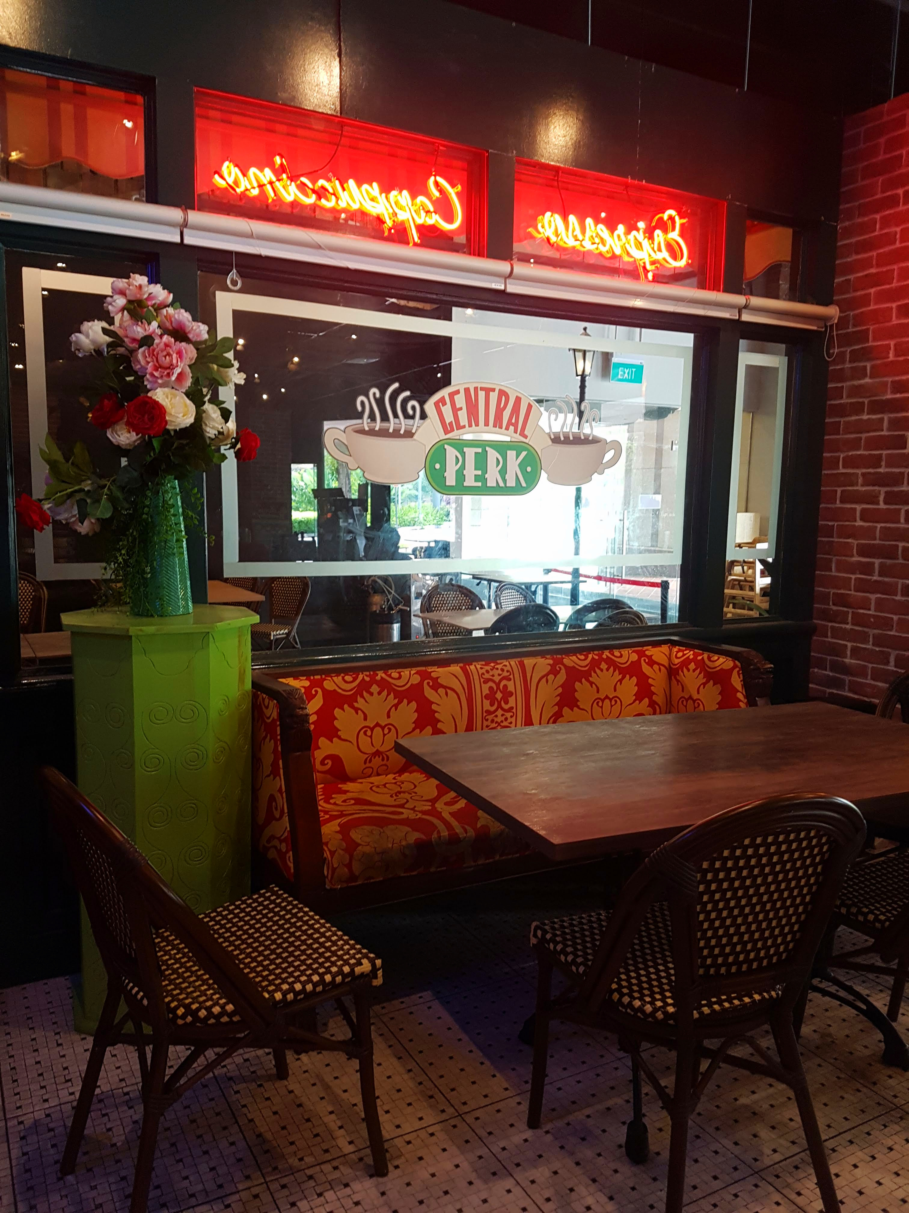 central perk friends cafe in singapore - singapore travel guide