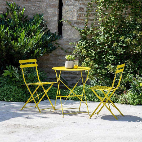 Garden Bistro Round Table and 2 Chairs in Dandelion Yellow