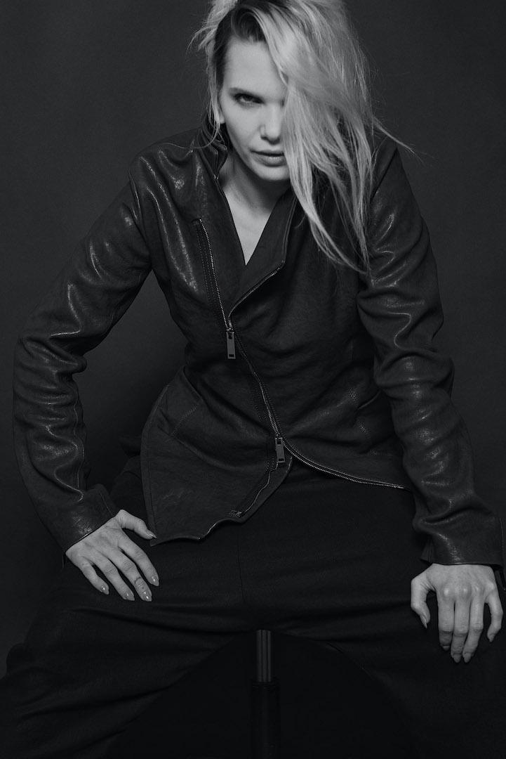 Assymetrische Damen Lederjacke 'Locke' in schwarz | eigensinnig wien