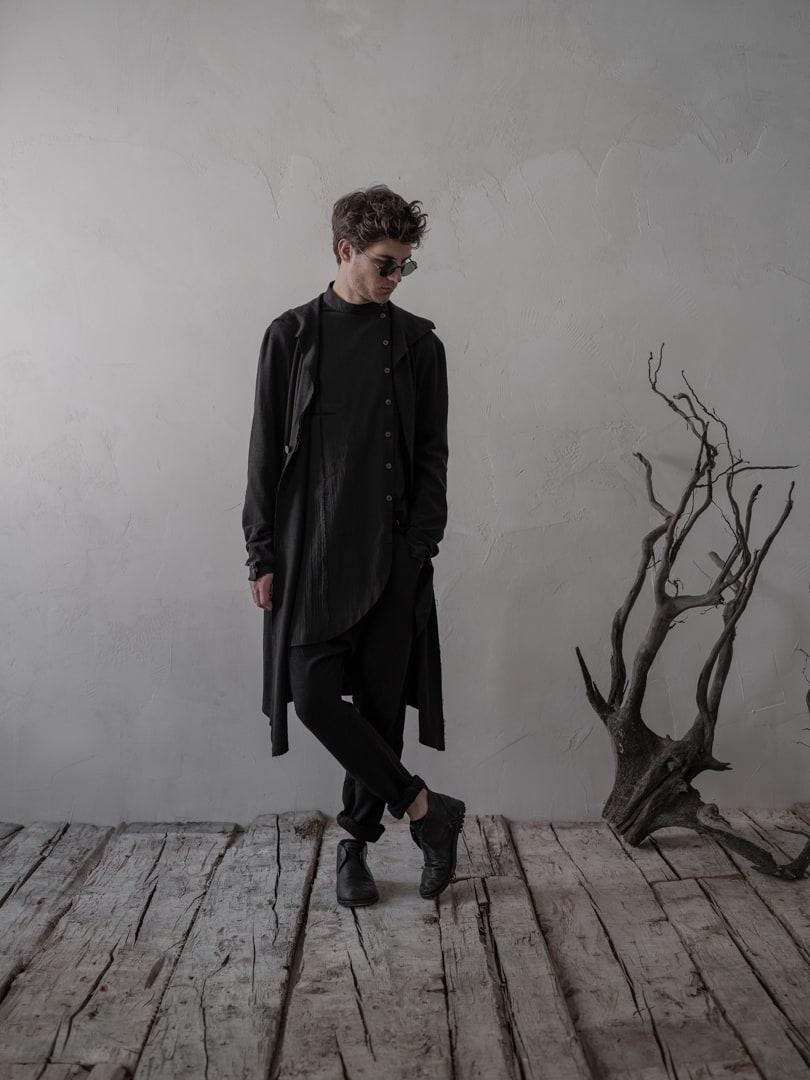 Avantgarde Mode für Herren in schwarz, Langer Mantel 'Comte' | eigensinnig wien