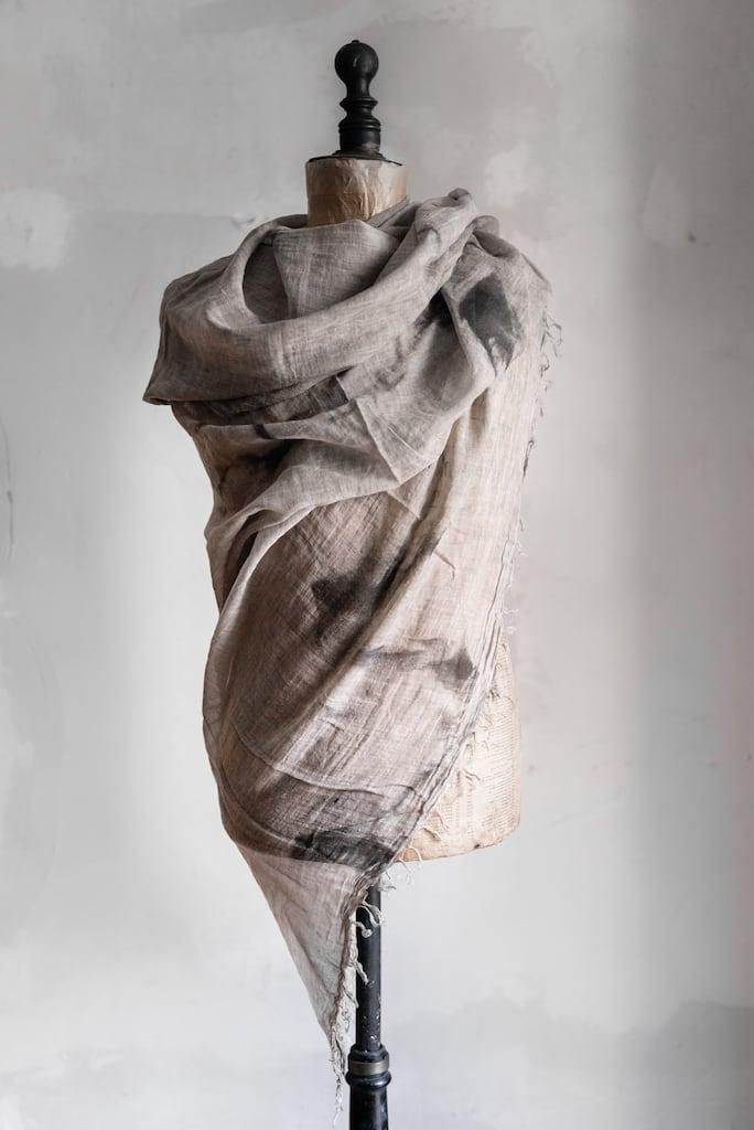 Schals und Tücher für den Sommer von Forme D'Expression (Italien) und eigensinnig wien