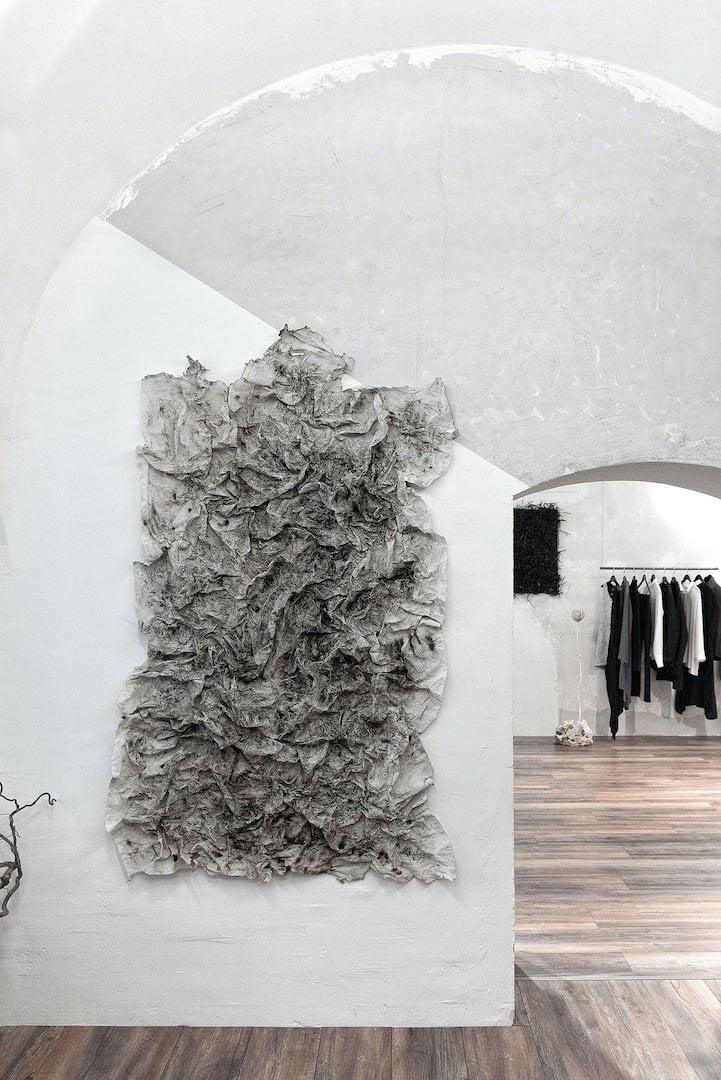 Mode und Design, inspiriert von Philosophie, Kunst und Kultur - Über unsere Arbeit im Oversize-Korsett | eigensinnig wien