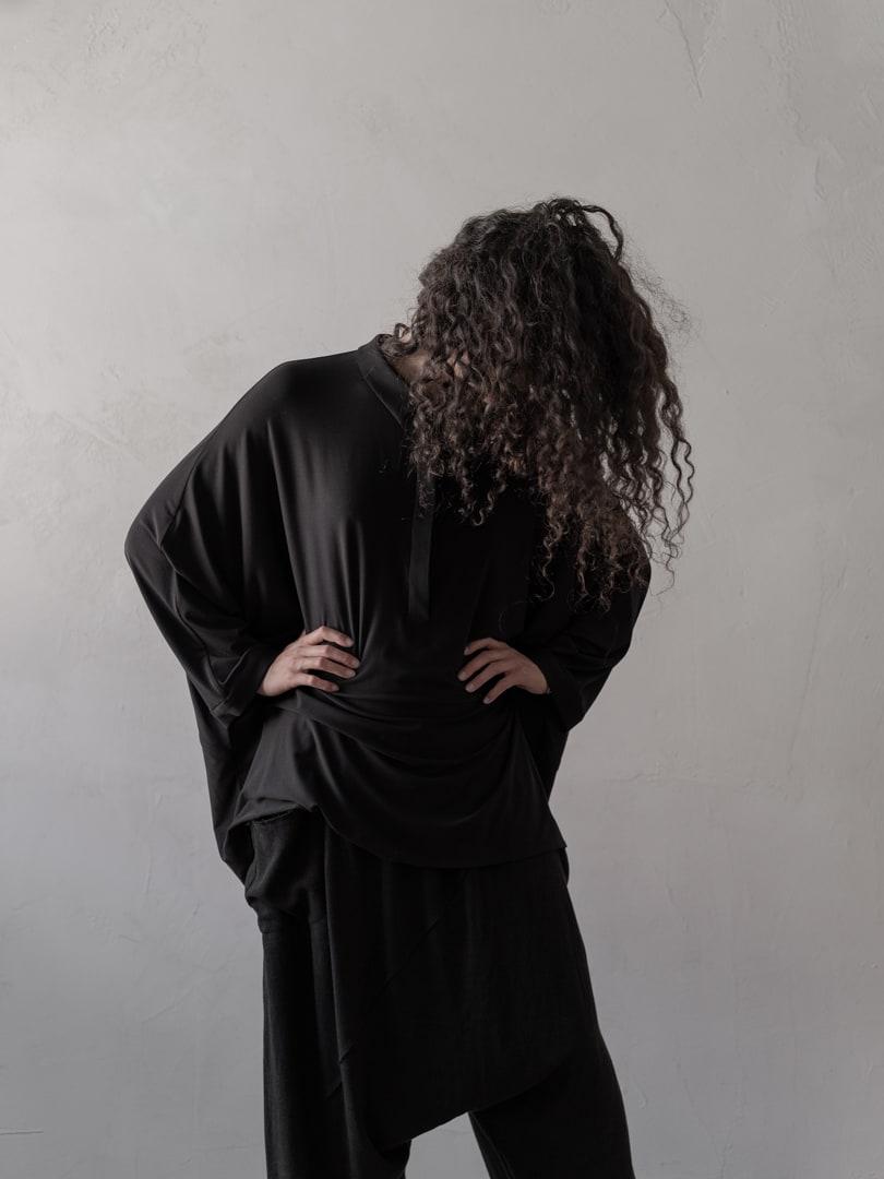 Das Schwarz der Existenzialisten ist auch das Schwarz der Avantgarde Mode | eigensinnig wien