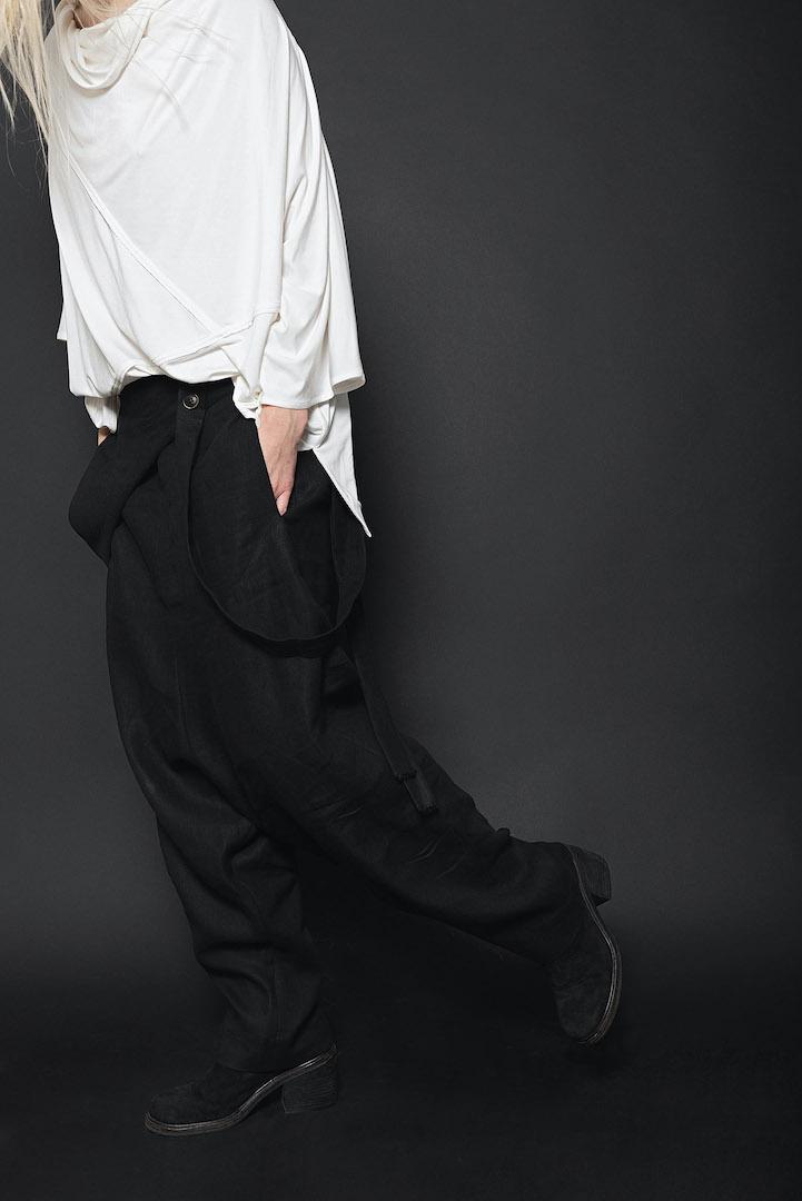 Sosnovska - Avantgarde Mode Design in schwarz | eigensinnig wien