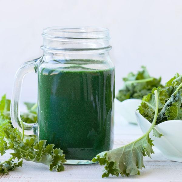 Kale and Broccoli Mango Green Smoothie Recipe