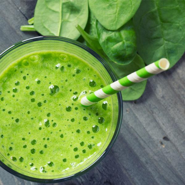 Avocado and Spinach Green Smoothie Recipe