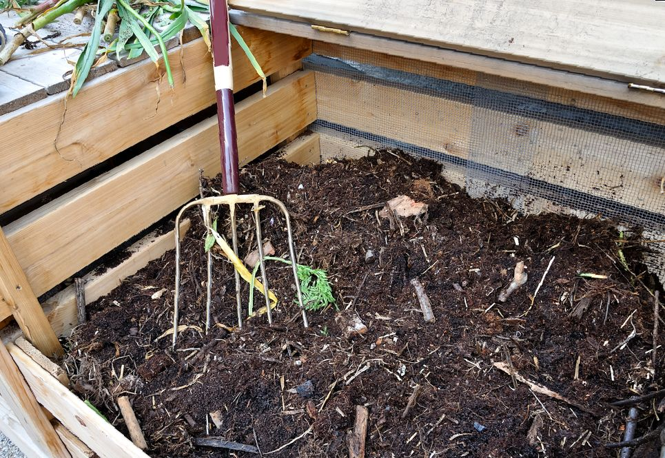 Garden compost with garden trimmings