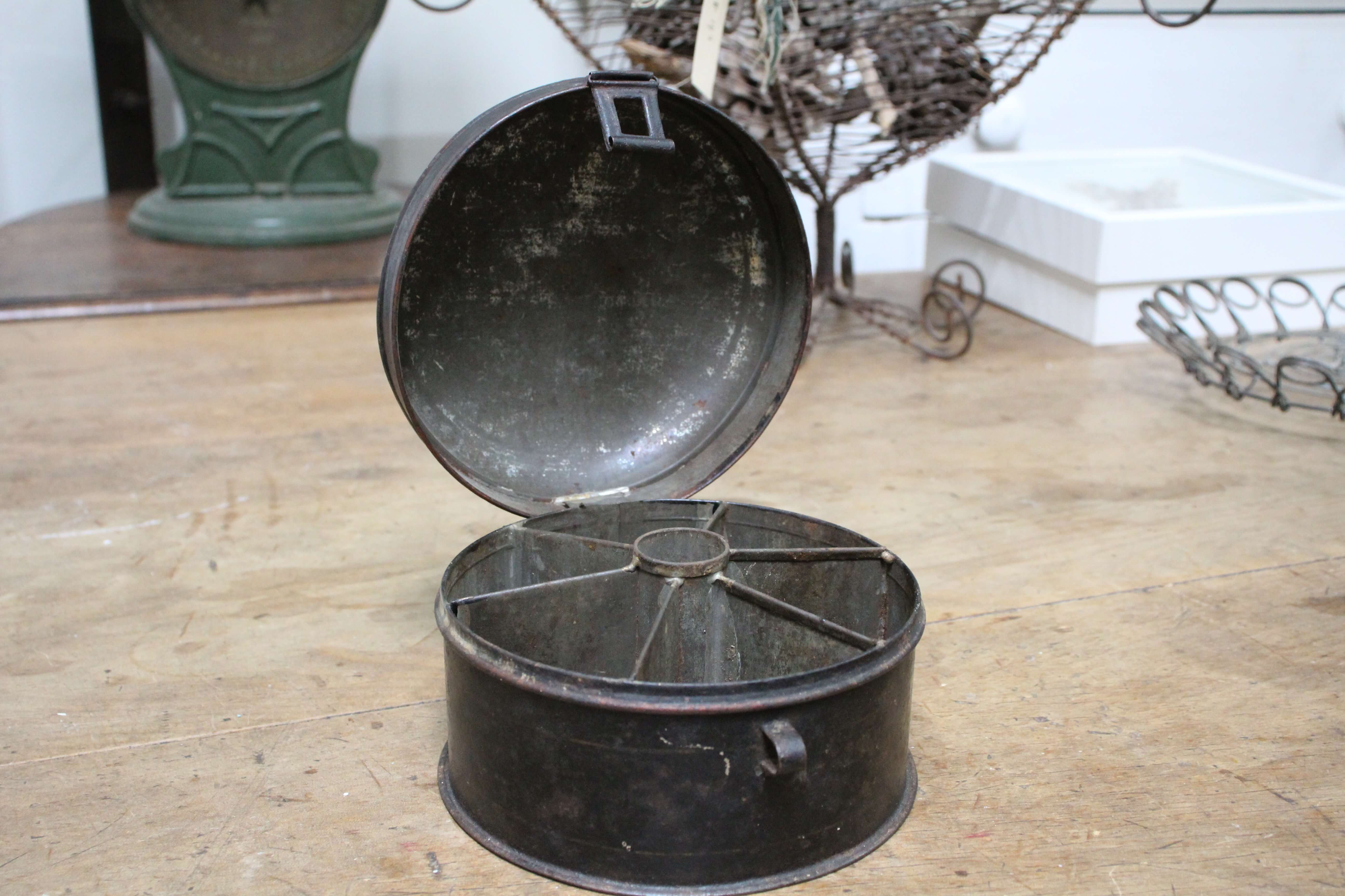 Round Spice Tin