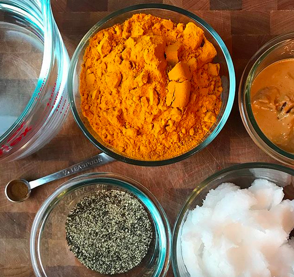 Add turmeric paste to your dog's diet