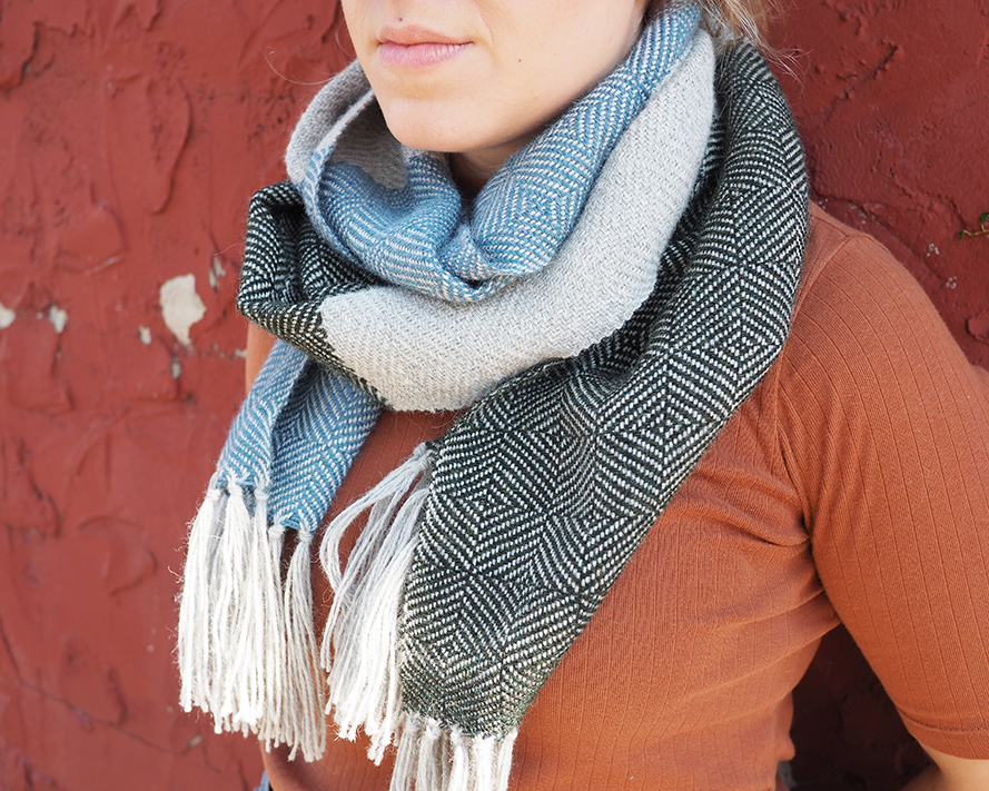 Free Pattern to Weave this Alpaca Block Twill Scarf