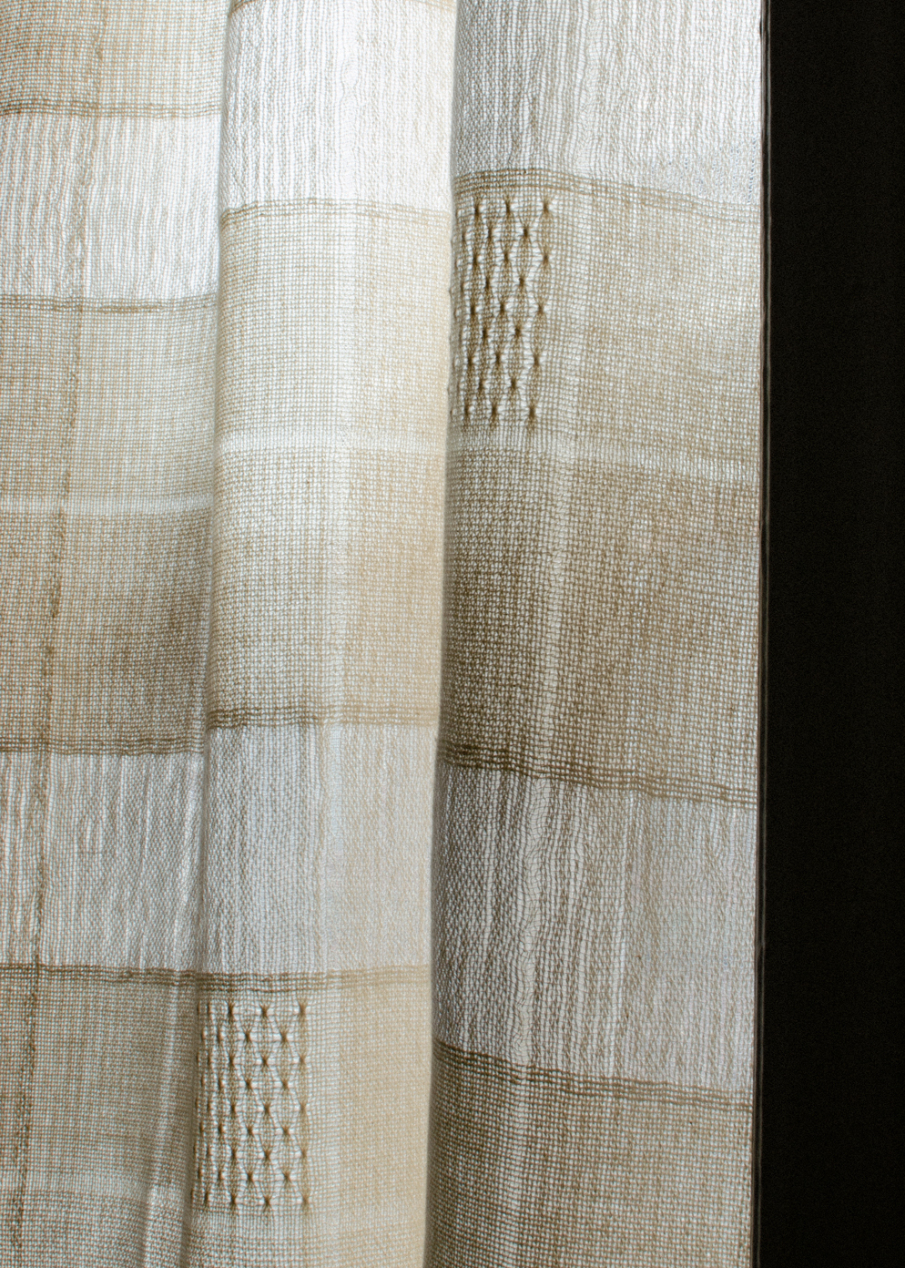 Free Pattern to Weave a Pair of Brooks Bouquet Curtains