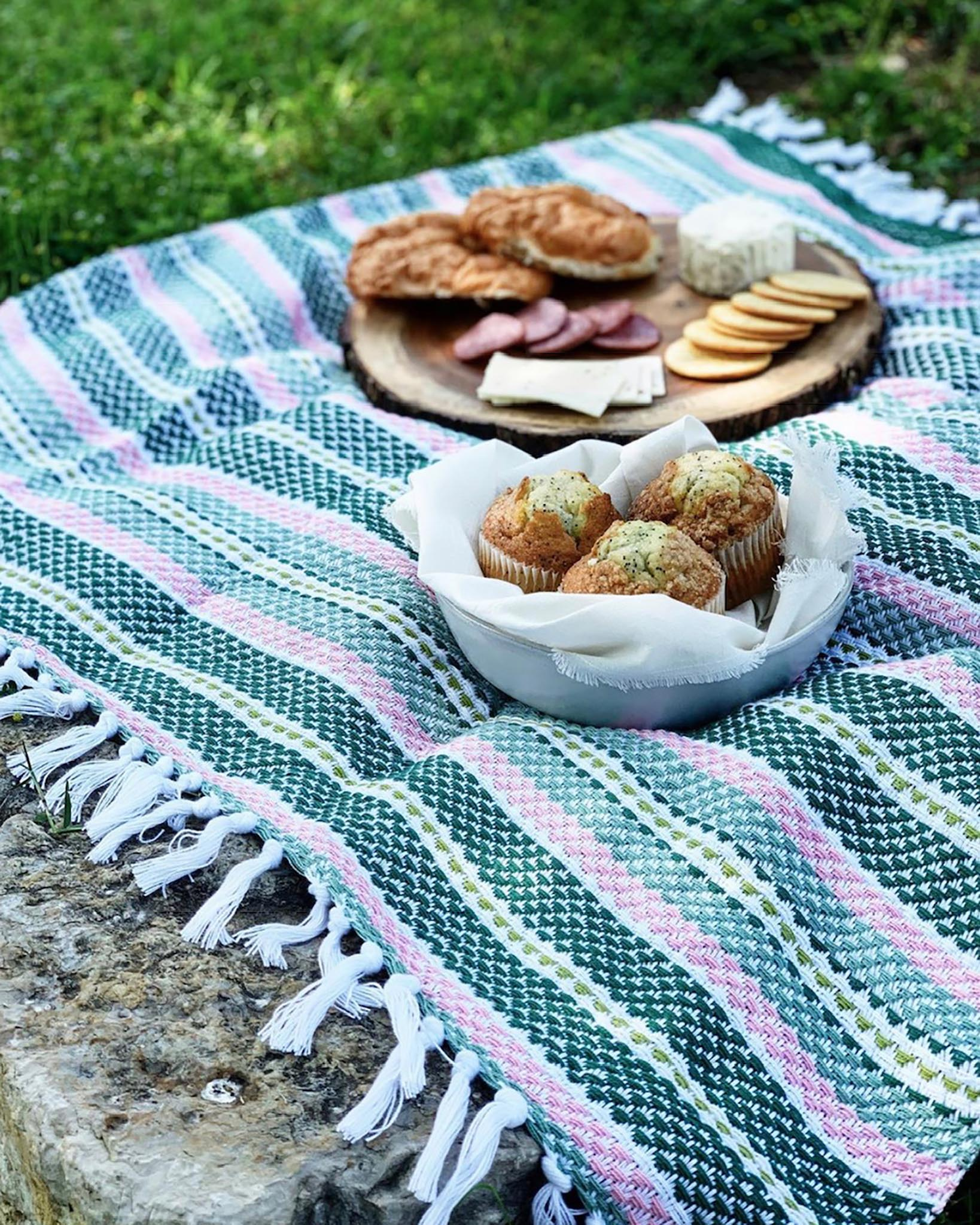 Free Weaving Pattern Handwoven Picnic Blanket