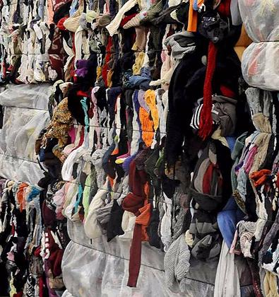 Recyclage des chutes de vêtements coton bio