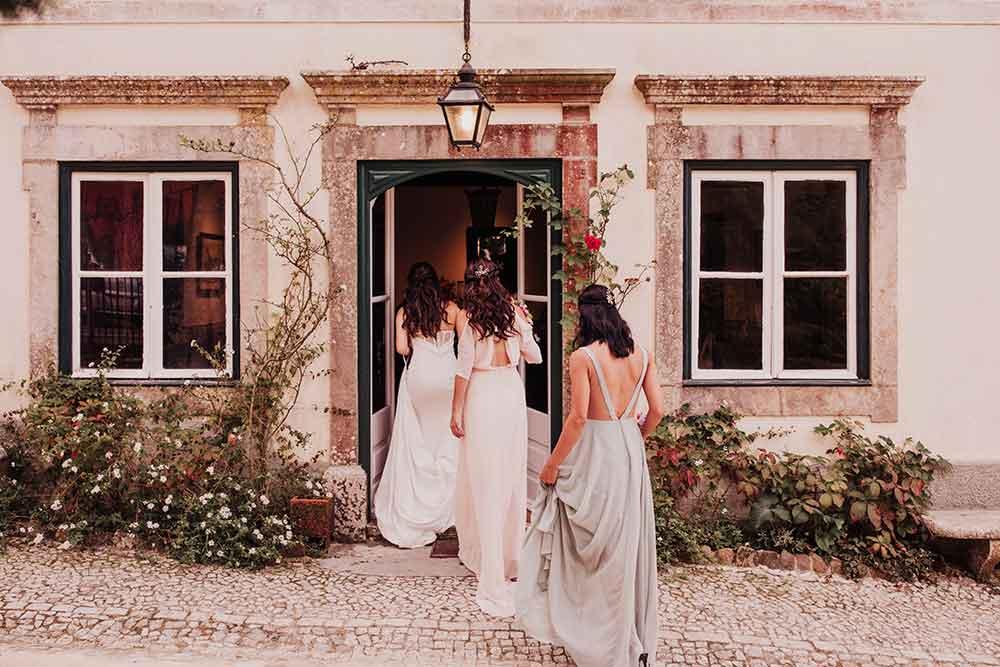 Fotografía de boda de damas de honor.