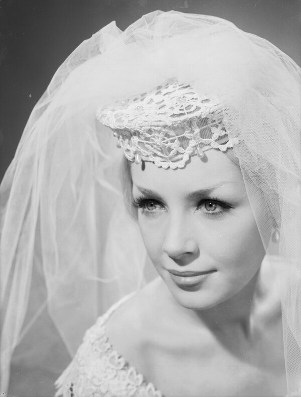 vintage wedding veil from the 1960s