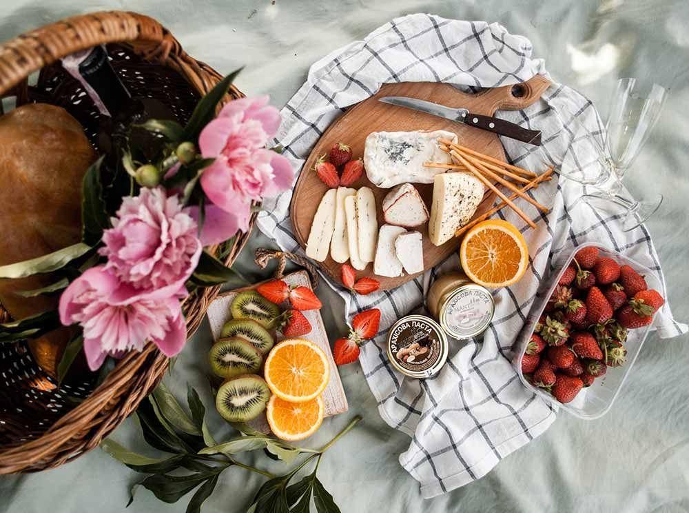 Idea regalo canasta de frutas para celebrar el compromiso