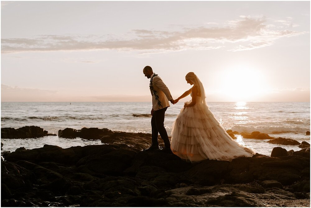 bride and groom in Hawaii for their wedding elopement