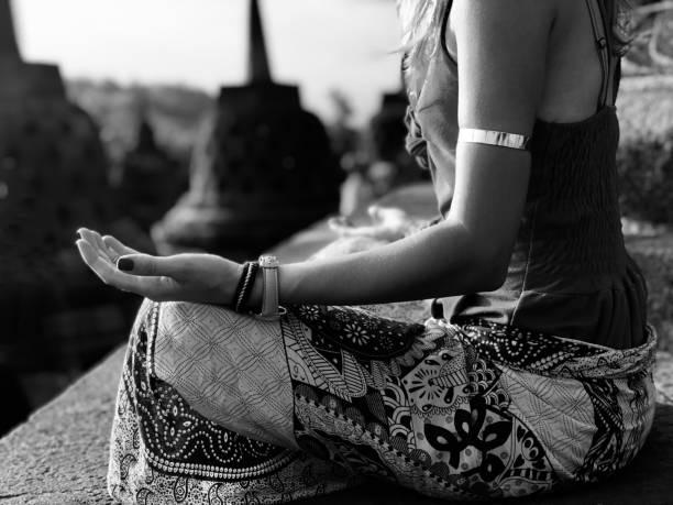 Méditer avec un mala tibetain