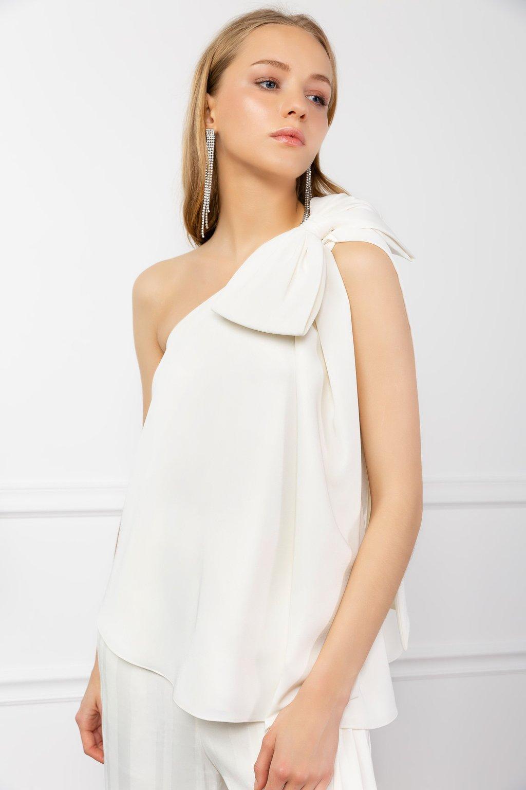 White Wanda Top by J.ING women's fashion clothing