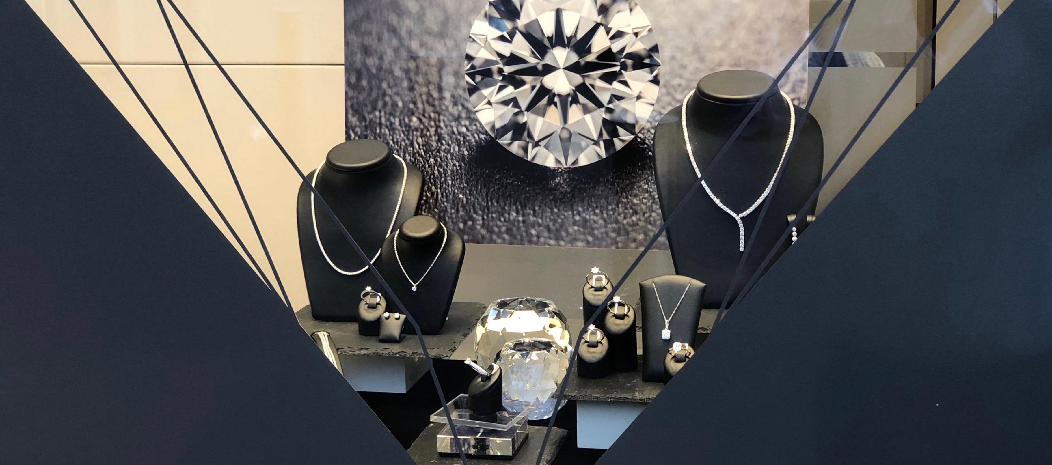 Jubiläumskollektion mit Brillantschmuck bei Juwelier Krebber in Mönchengladbach