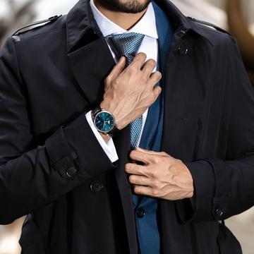Wie stelle ich meine Uhr richtig? Darf ich meine Uhr zurückdrehen? Juwelier Krebber Mönchengladbach verrät es Ihnen