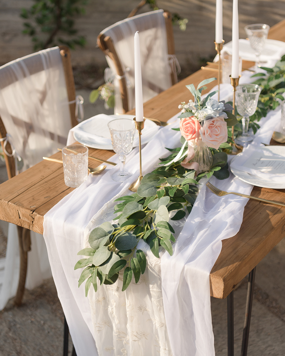 Sweetheart Table Decor Ideas We Adore