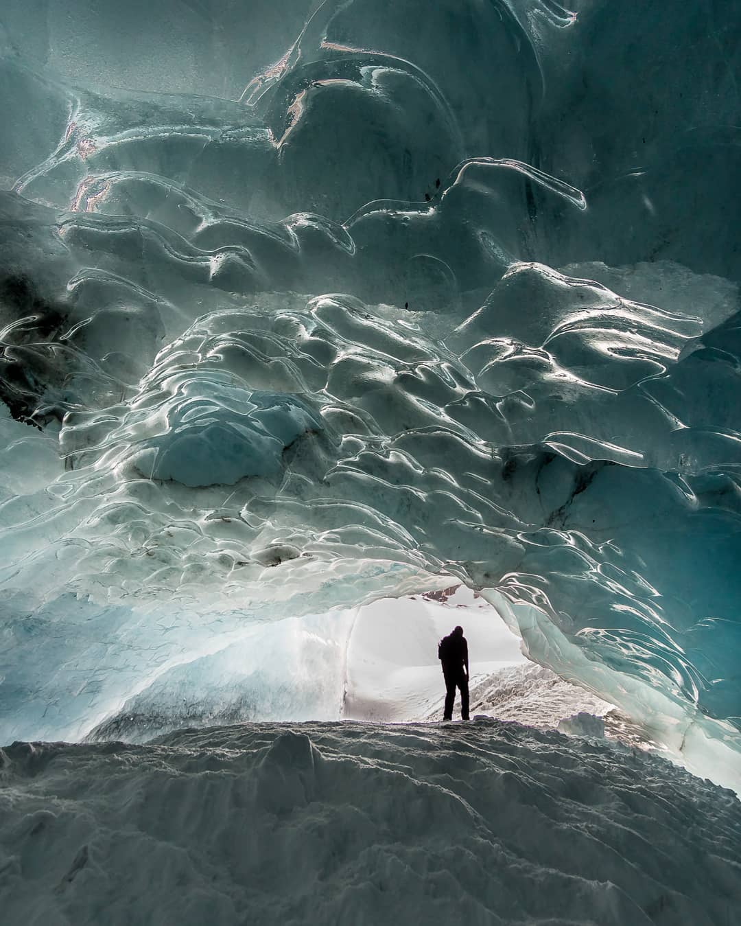 alaskan glacier cave