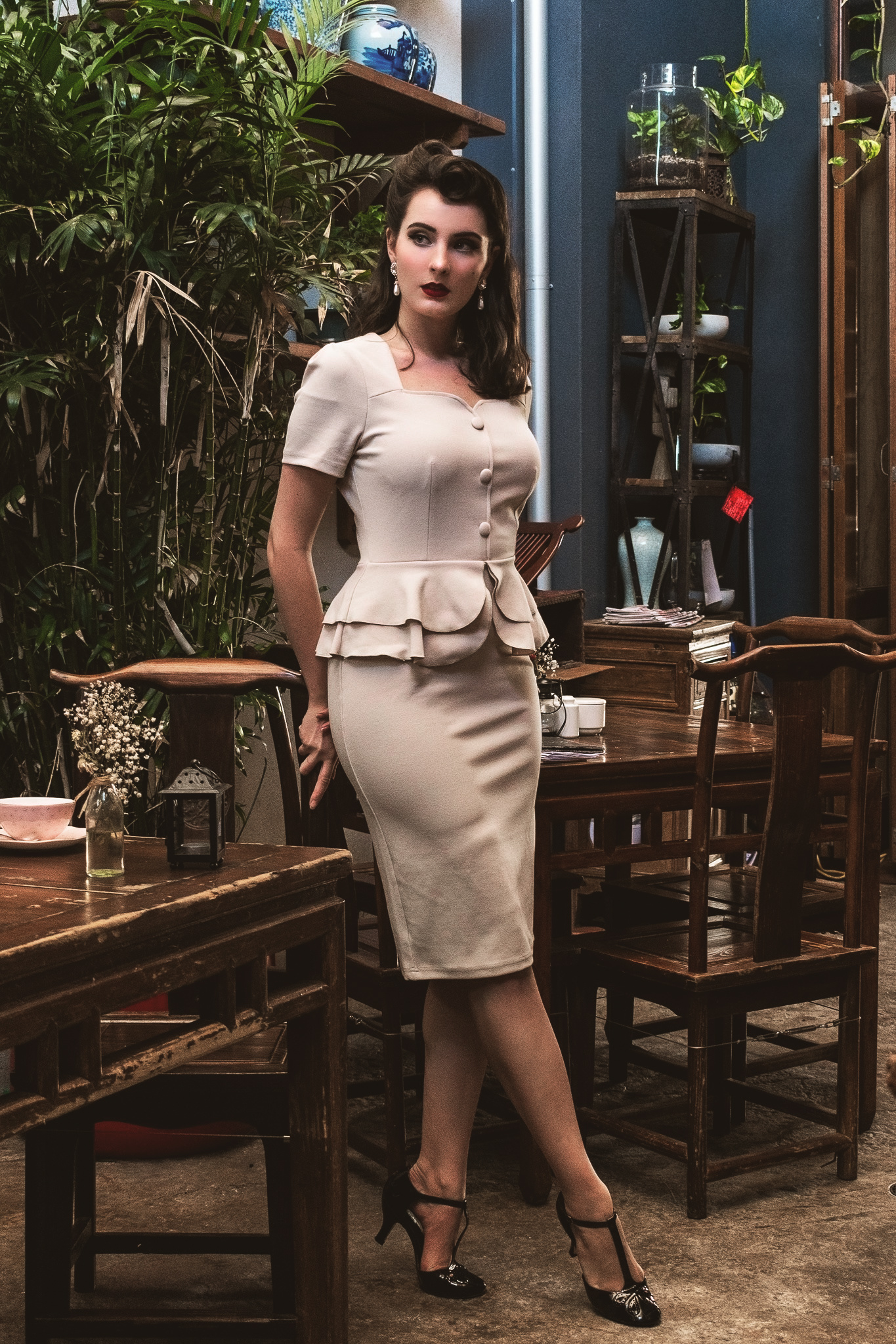 Vintage Ruffles Cocktail Pencil Dress