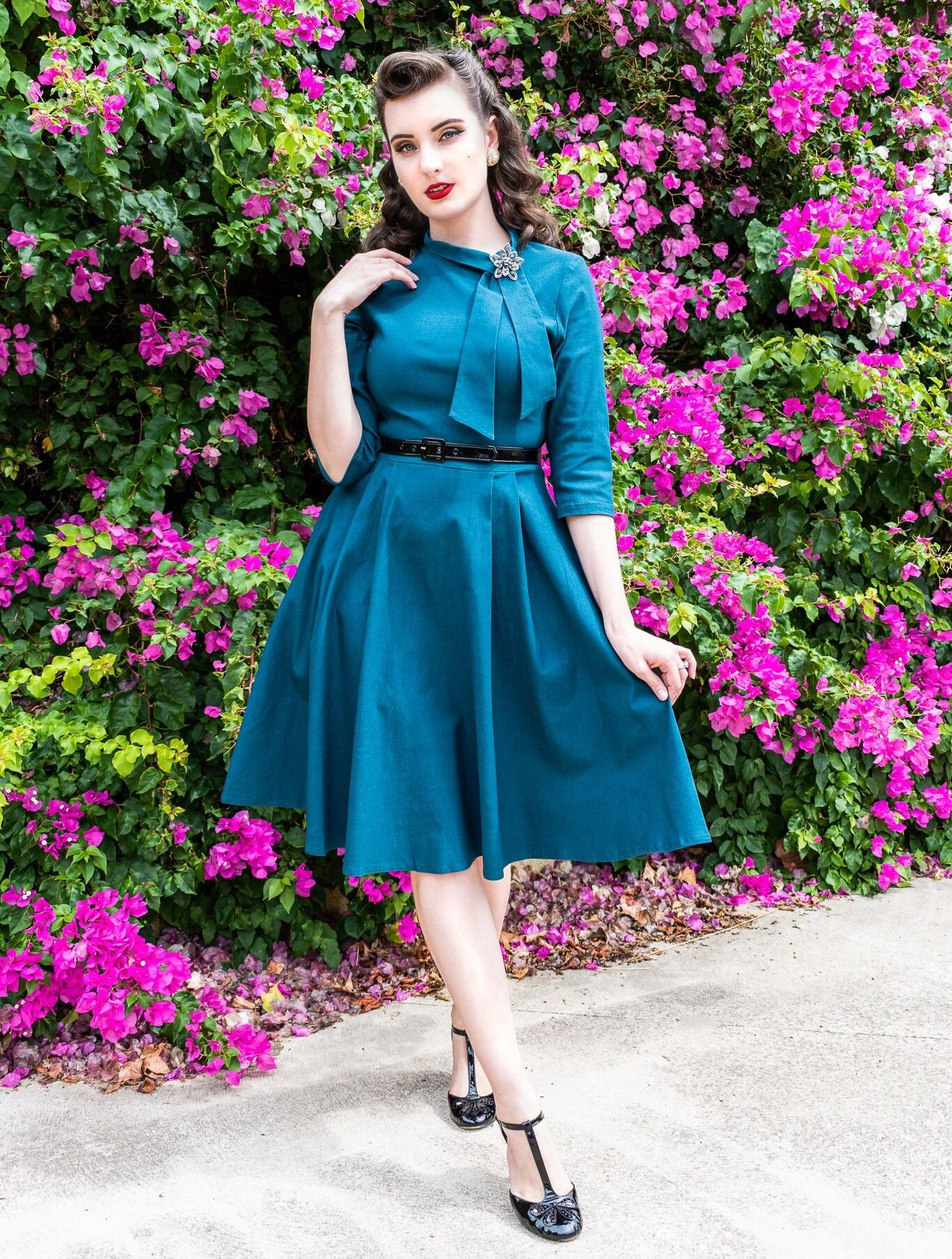 AISIZE Half Collar Tie Swing Dress