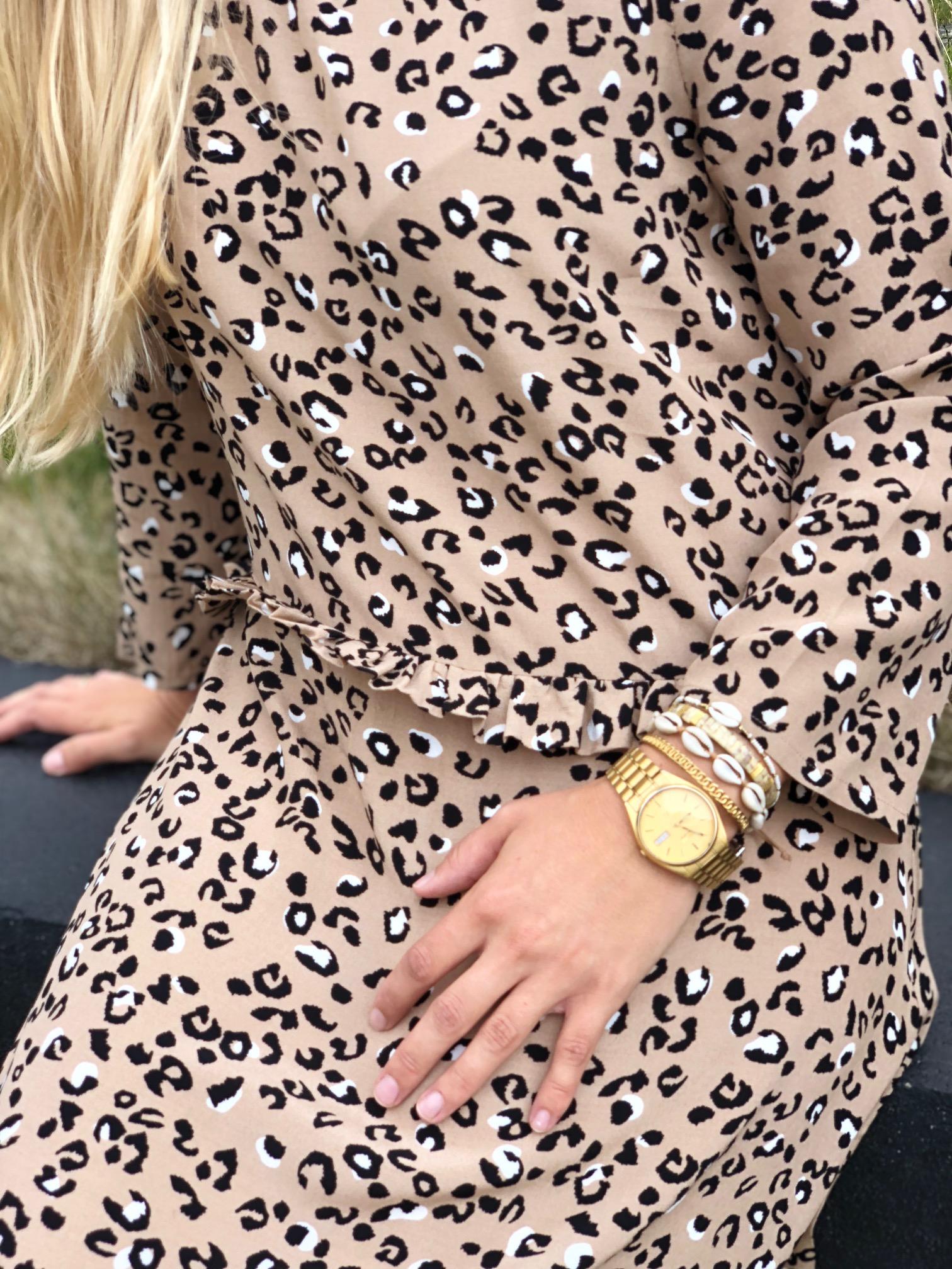 Lækker mbyM leopard kjole til 699,- Find mange andre leopard styles hos os:-)